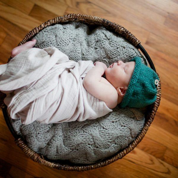 Columbus Ohio Newborn Photographer | Eddie {8 days new}